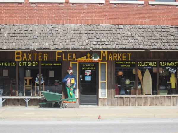 This cheesy flea market is still in business, but was closed when we passed by, which was at about 4:30 pm on a Friday.
